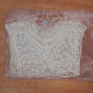 Love & Liberty Juniors Medium Crochet Crop Top